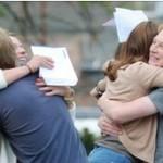 BBC | 英国报摘:英国学生竞相申请大学_