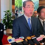 BBC | 香港观察:特首战梁振英假戏真做?