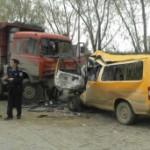 BBC | 大家谈中国:捐校车与买校车