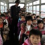 """BBC   大家谈中国:""""校车费用大""""还是""""生命比天大""""?"""
