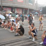维权网 | 山东济南被强拆民众堵路抗议(图)