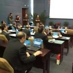 浙大校长在研讨会上用电脑玩牌被拍到