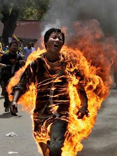 唯色 | 57位自焚藏人肖像、简况及部分遗言