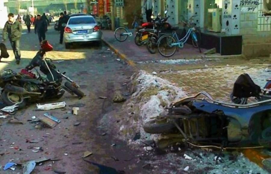 联合早报 | 河北男子疑报复社会开车撞23名学生