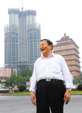吴仁宝,他的背后就是空中大楼