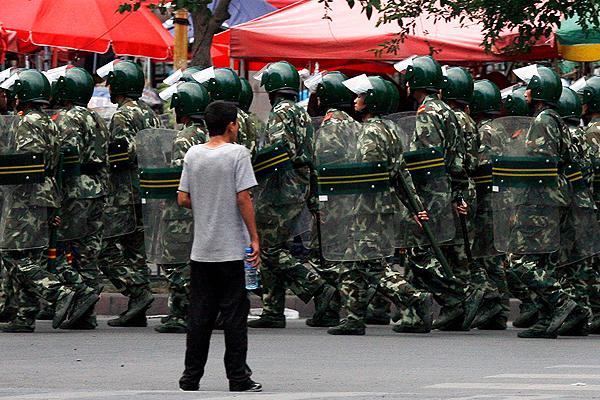报导者 | 新疆汉族的求救电话:家人也进集中营