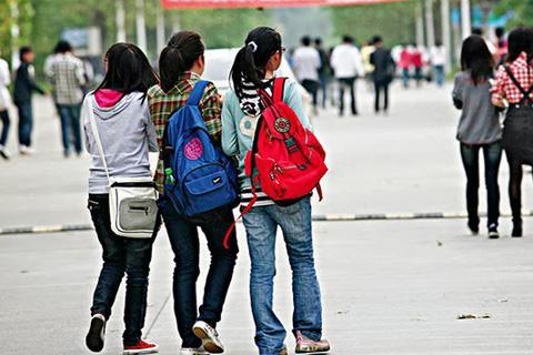 Solidot|大学建立网络红客监视学生发帖引导舆论