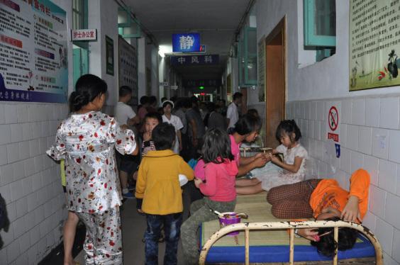 自曲新闻 | 湖南新化数百学生饮用牛奶致食物中毒