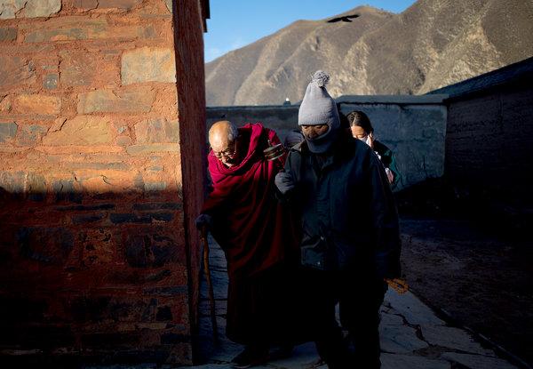 纽约时报 | 甘南藏区,藏人与汉人貌合心不合