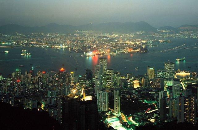 朱建陵:台湾是一面破碎的镜子 —— 从张悬说起