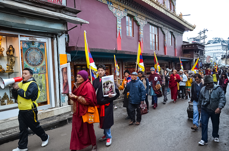 Tibetans-in-Dharamsala-holds-Candle-Light-Vigil-for-Self-immolator