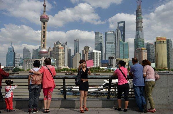 纽约时报 | 卫视停播方言节目 上海观众失望