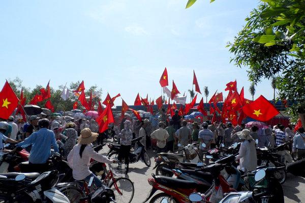 纽约时报 | 越南反华情绪失控 外资工厂遭殃