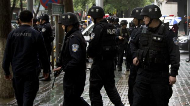 中国政府采取对新疆恐暴袭击严打政策
