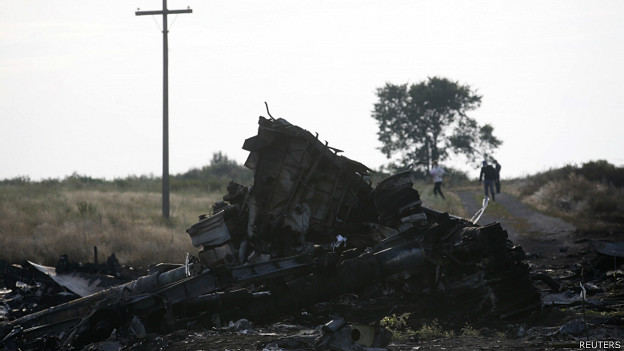140720024748_cn_mh17_wreckage_624x351_reuters