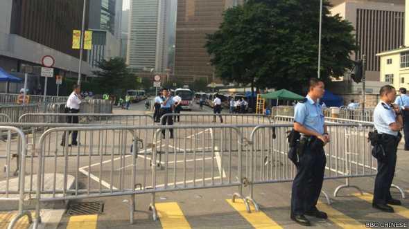 "BBC 梁丽帼:警方在龙和道的驱散行动""十分暴力""(视频)"
