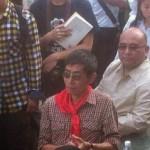 东网|黎学文:當北島繫上紅領巾