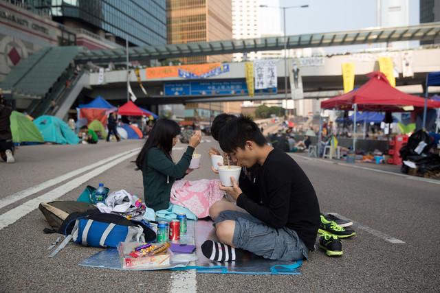 火墙内外关于香港抗议的不同意见辩论甚嚣尘上