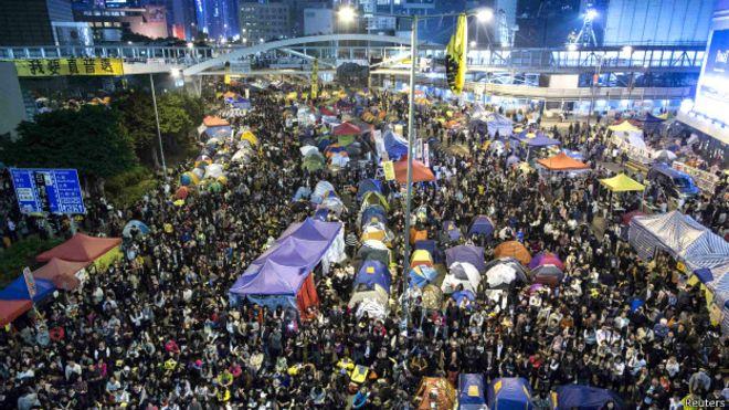 【推特报道】香港警方金钟清场现场