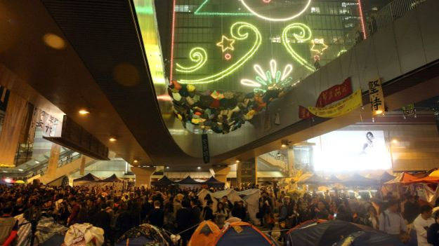 141210171944_admiralty_hong_kongs_main_occupy_site_getty_624x351_getty_nocredit