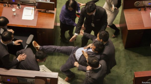 150114064531_petition_in_legco_624x351_reuters