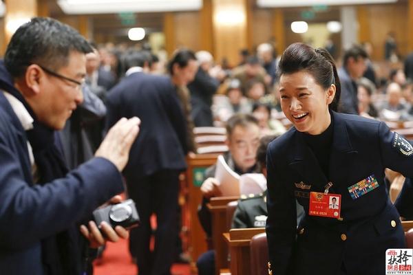 BBC |中国两会中的富豪俱乐部