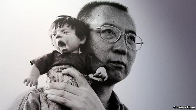 美国之音|软禁中刘霞个人摄影展在柏林开幕