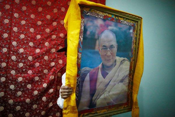 纽约时报 | 中国要求达赖喇嘛必须转世
