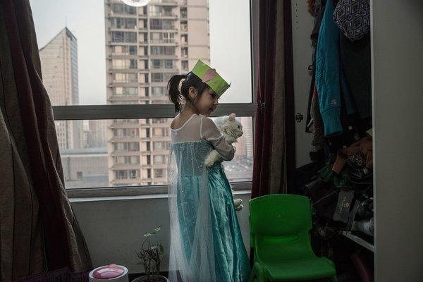 杰茜卡·彻丽在北京的家里。她在这个城市出生。因为父母没能获得强制性的准生证,5岁的她处于行政管理的灰色地带。