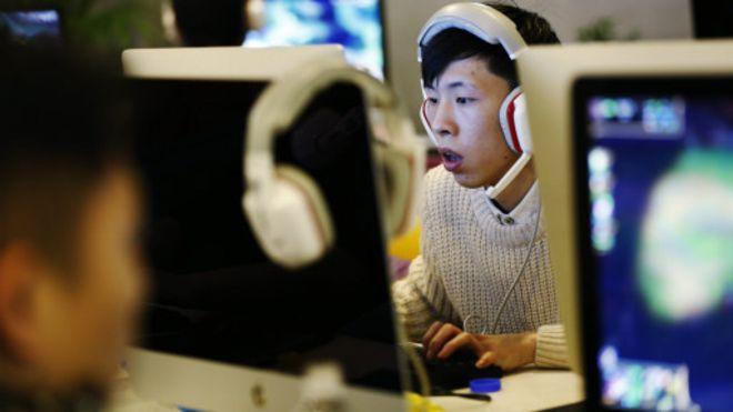华夏文摘|胡平:从网络上的恶性争斗谈起
