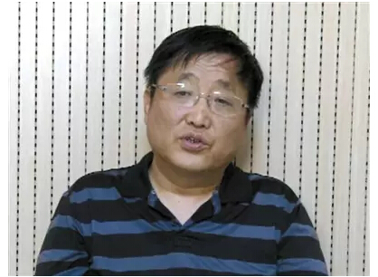 """涉嫌6月15日组织""""访民""""前往潍坊中院门前聚众举牌的嫌疑人翟岩民。"""