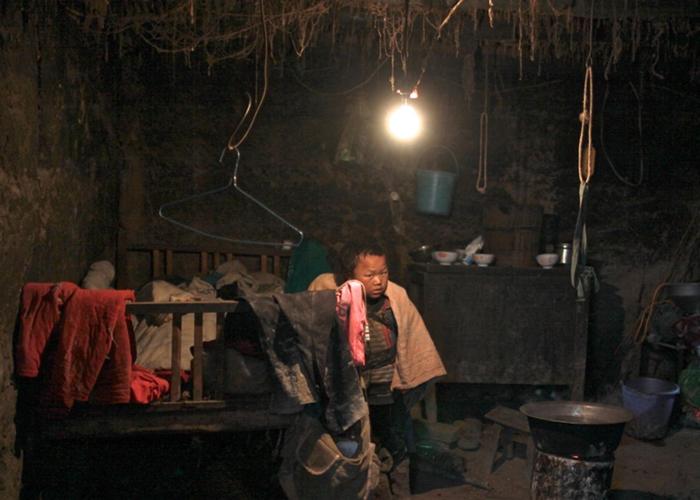 毕节城内,父母均外出打工的留守儿童达164608名,占适龄学童1成。