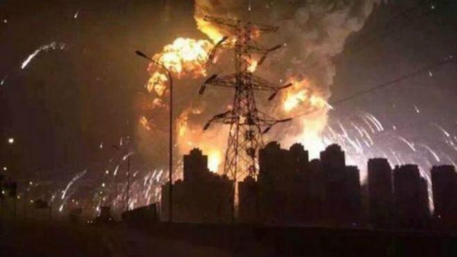 BBC | 天津滨海新区码头大爆炸 已致50人遇难 (21图)