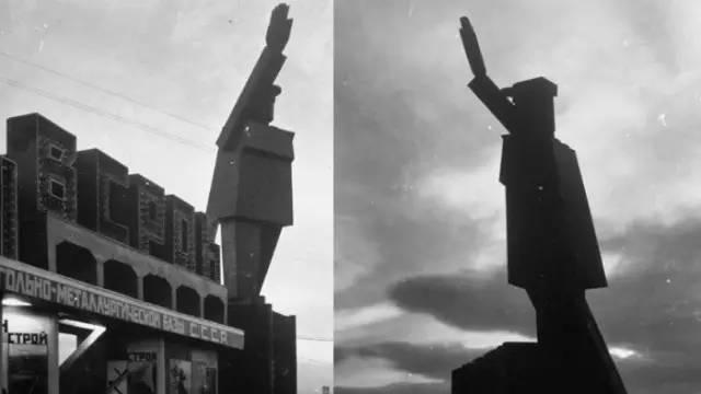 机器人列宁像