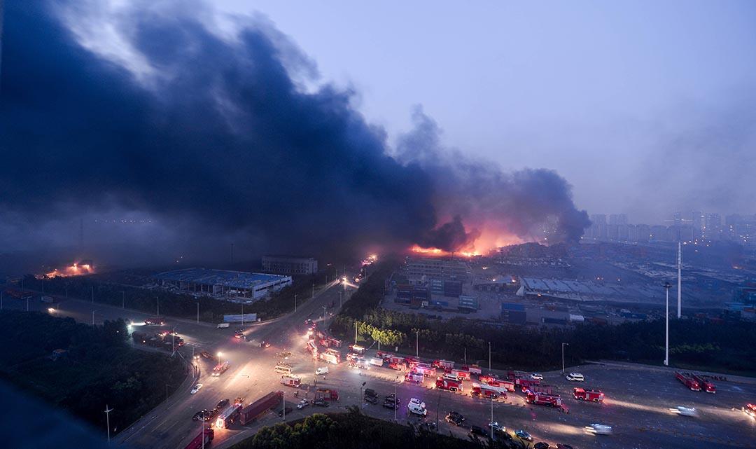 天津爆炸事件現場。摄 : AFP