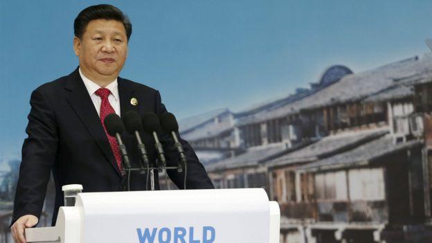 """习近平在讲话中表示,互联网引述社会生产新变革,也拓展了国家治理的新领域,呼吁各国应尊重""""网络主权""""。"""