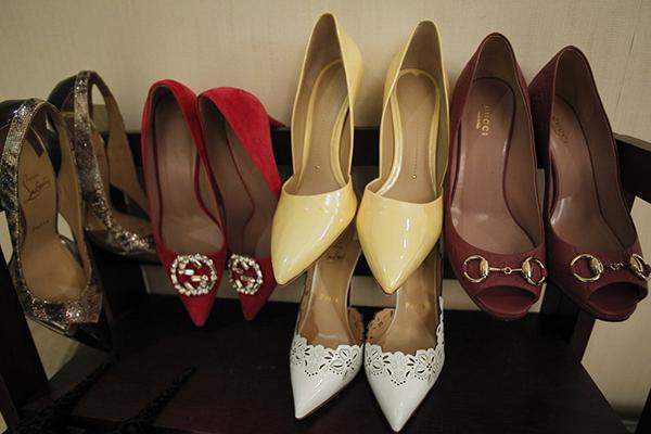 网络主播丁瑶收藏的鞋子。