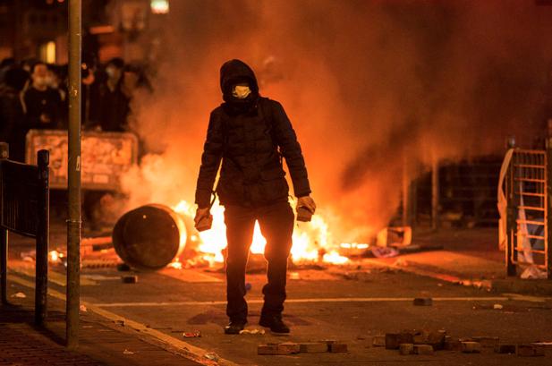 端传媒 | 撑小贩如何演变成通宵骚乱?