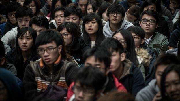 香港学生被认为承受很大的学业压力(资料照片)。