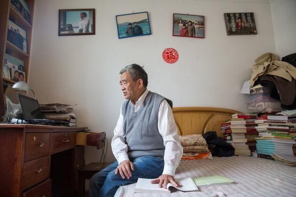 """2013年时的杨继绳。他被哈佛大学尼曼学会授予""""莱昂斯新闻良知与正直奖"""""""