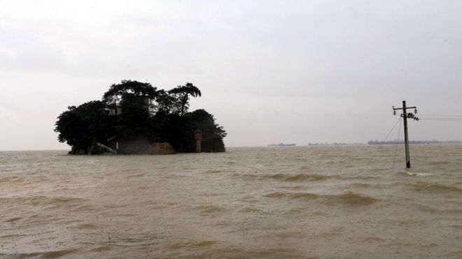 BBC | 中国南方暴雨未息 长江珠江水系纷告急