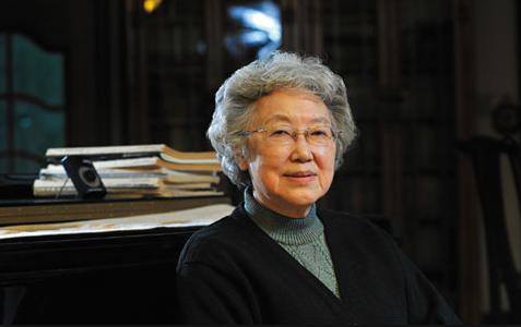 资深学者、翻译家,中国社会科学院荣誉学部委员,曾任中国社会科学院美国研究所所长,《美国研究》杂志主编。