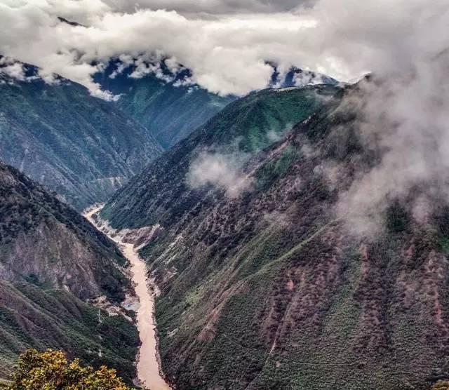 现在的叶巴大水,摄于四川省白玉县盖玉乡叶巴村