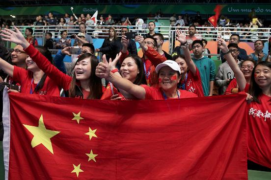 奥运会会场内中国队的支持者。摄:Alkis Konstantinidis/REUTERS