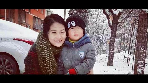 王全璋的妻子李文足和儿子。(权利运动网)