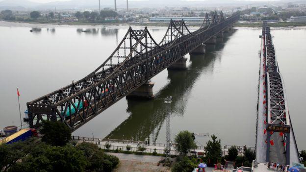 丹东是中朝边贸重镇。