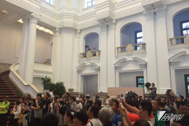 风传媒|总统府「我们的年代」展出台湾抗争史 陆客留言「愿祖国统一」