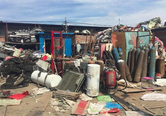 废品回收种类繁多,曾经什么东西都可以卖钱。赵晗提供