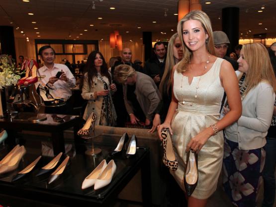 特朗普女儿伊凡卡·特朗普(Ivanka Trump )为旗下女装鞋品牌作宣传。摄: Frederick M. Brown/Getty