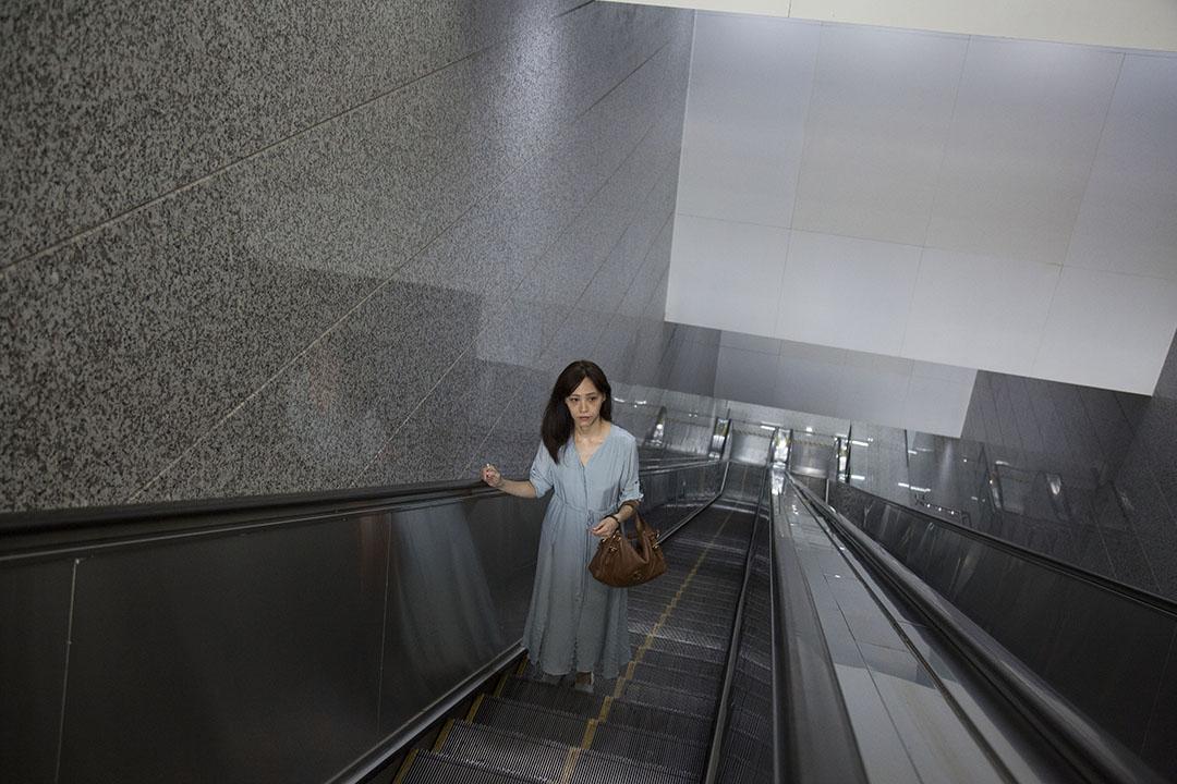 胡采苹说,来大陆是人生一个大的旅行,「只是这个旅行有上班。」摄:Linda Zhang/端传媒